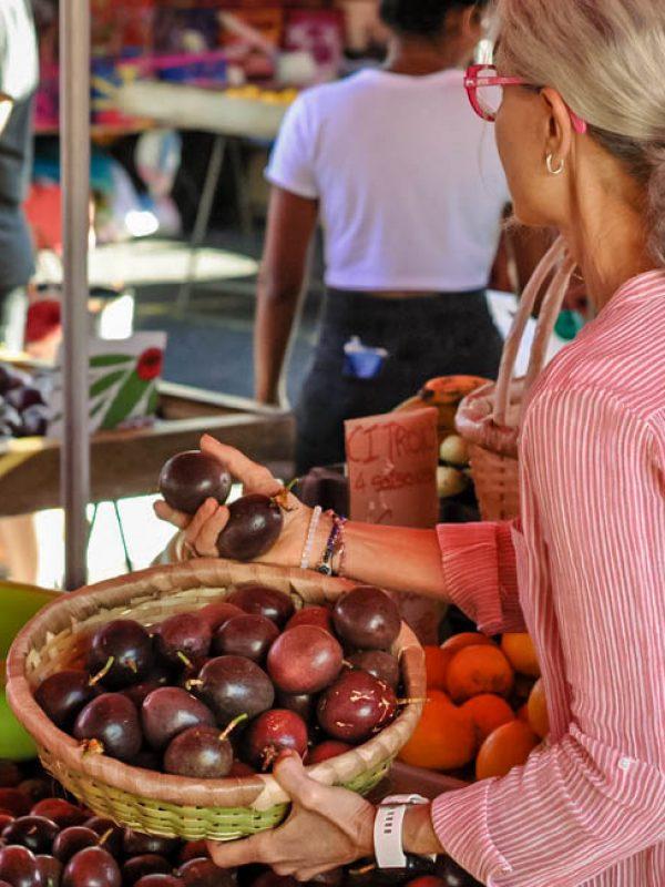 coco passion confiture artisanale la reunion fruit de la passion marche de saint paul